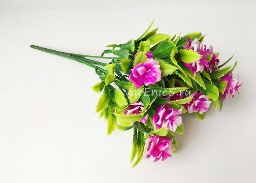 веточка зелени, розочки розово-фиолетовые