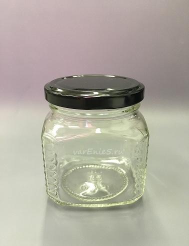 Баночка стекло, граненная . 250 мл (белая крышка)