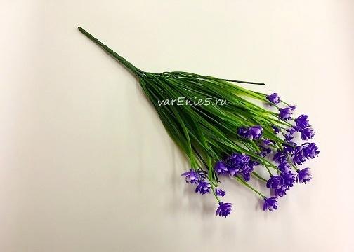 веточка пырея, цветки синие