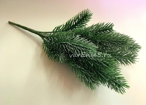 Куст ели зеленый с напылением