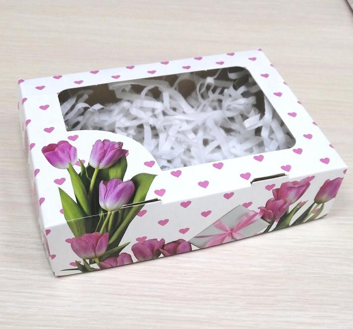 Коробка с окошком Тюльпаны с сердечками