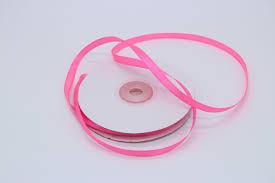 Лента атласная, ярко розовая, 25 мм (20м)