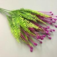 Веточка зелени папоротник бусина, фиолетовый