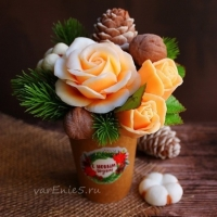 Букет с розами зимний