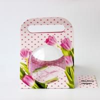 веточка зелени морошка, красные ягодки