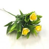 Ветка розы желтая
