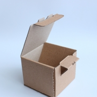 Крафт коробка 7*7*6 см.